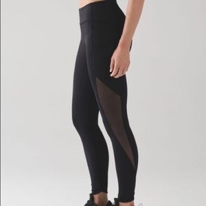 Lululemon Sole Training 7/8 Tight Sz 6